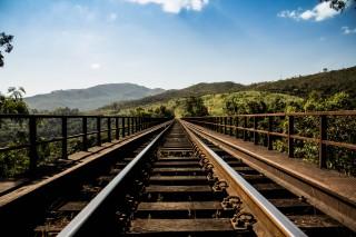 wpid-country-train.jpg